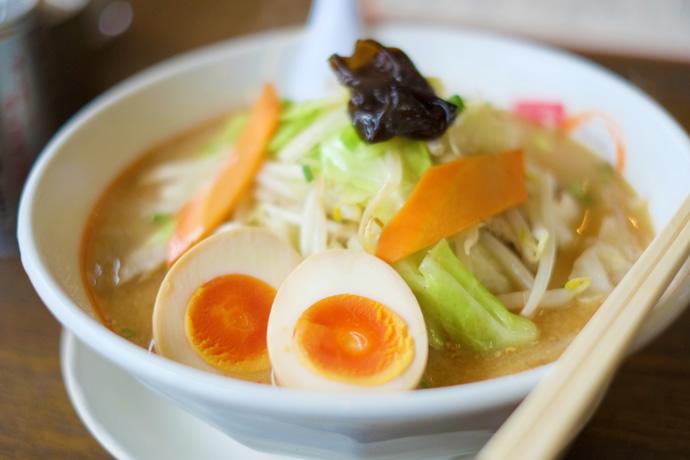 竹鶏物語の新鮮でおいしいたまごの煮卵